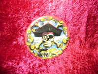 """PIRATE PARTY PLATES Eight 7"""" Pirates SKULL Bones New r"""