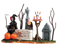 Lemax 53517 GRIM REAPER WAITS PATIENTLY Spooky Town Table Accent Retired Decor bcg