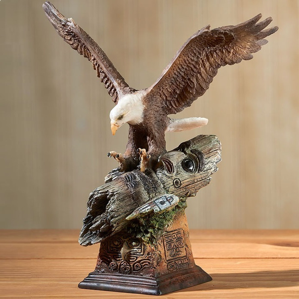 "Eagle Sculpture ""Totem"" 