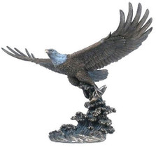 Eagle Catching Fish 2 Sculpture