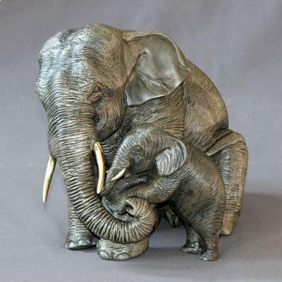 Elephant Bronze Mama and Baby
