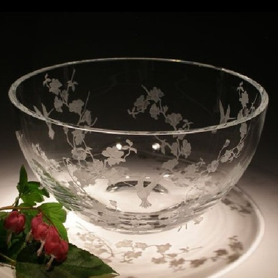 Hummingbird & Dogwood Round Crystal Bowl | Evergreen Crystal | ECTR01-114