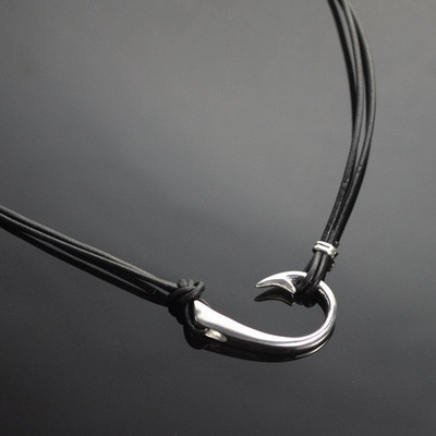 The Ollie Sideways Hook Necklace | Nature Jewelry