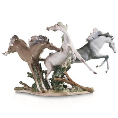 "Horse Porcelain Figurine ""Born Free"" | Lladro | 1001420"