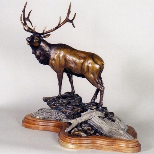 "Elk Bronze Sculpture ""Sir Royal"""