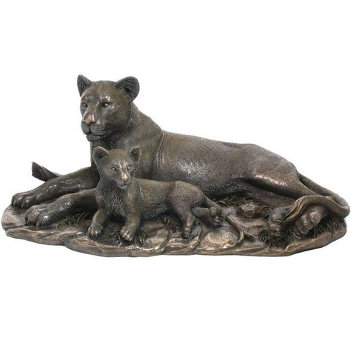 Lion and Baby Lion Sculpture