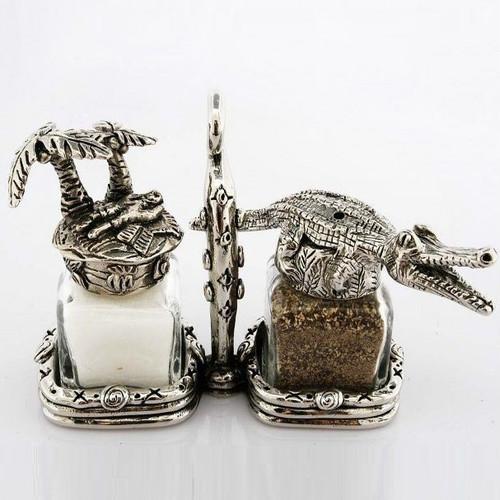 Alligator Island Salt Pepper Shakers