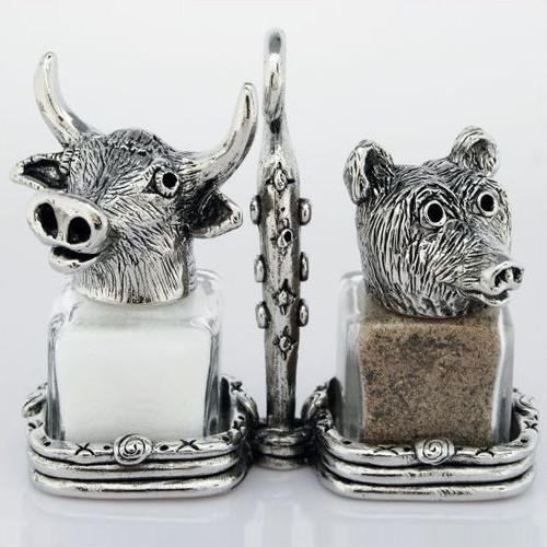 Bear Bull Market Salt Pepper Shakers