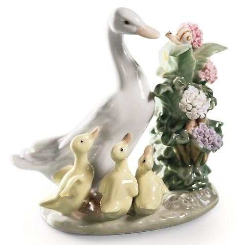 """Duck Porcelain Figurine """"How Do You Do?"""""""