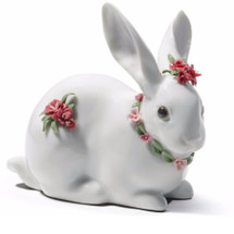 Attentive Bunny With Carnations Porcelain Figurine | Lladro | 01007578