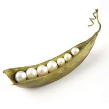 Peapod Seven Pearl Pin