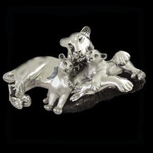 Silver Plated Lioness and Cubs Sculpture | 8040 | D'Argenta -2