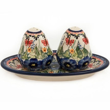 Red Butterfly Salt Pepper Shakers | Pottery Avenue | PAV962961208AR