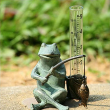 Frog Fisherman Rain Gauge | 33456 | SPI Home