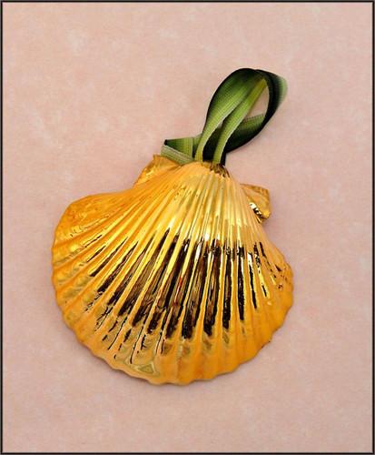 Gold Scallop-Pectin Shell Ornament