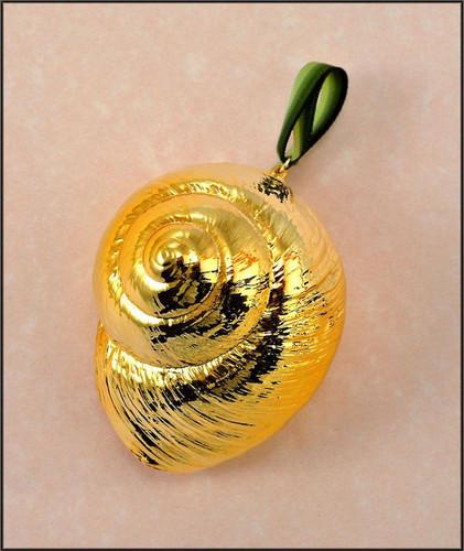 Gold Swirled Snail Shell Ornament