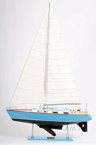 Bristol 35.5 Sailing Model