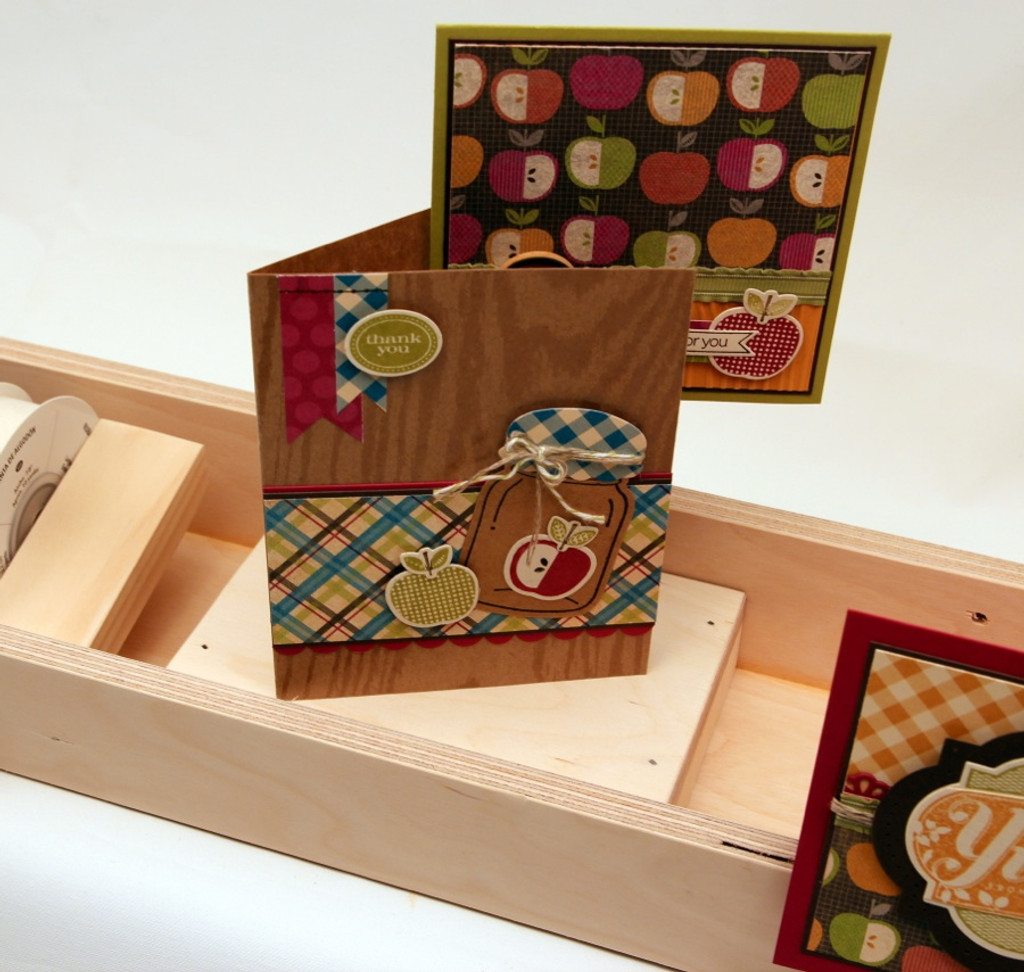 Display your cards on this Ribbon Holder too!