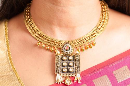 Antique gold finish necklace set