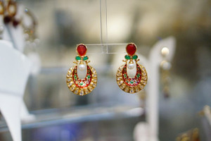 Gold erring with red and green minakari