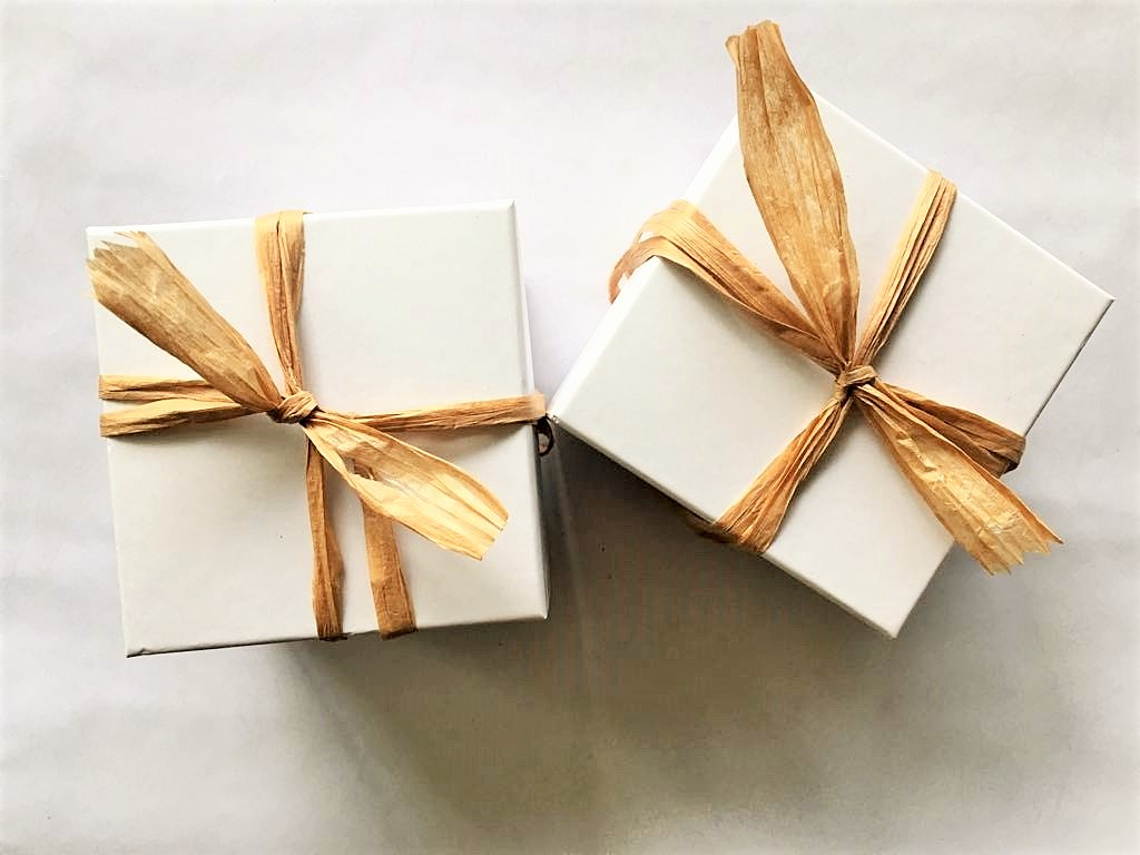 white-boxes-brown-bows-a.jpeg