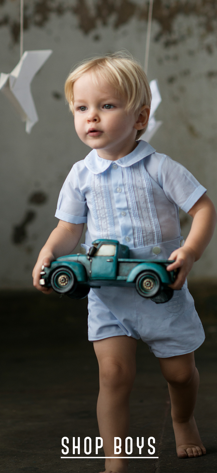 Find adorable boys' clothes in casual and formal styles at Brooks Brothers. Our impressive boys' clothing store includes premium dress shirts, blazers, polos, sports shirts, .