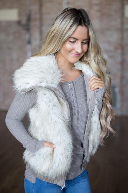 BB Dakota: Hettie Faux Fur Vest - Ivory Multi