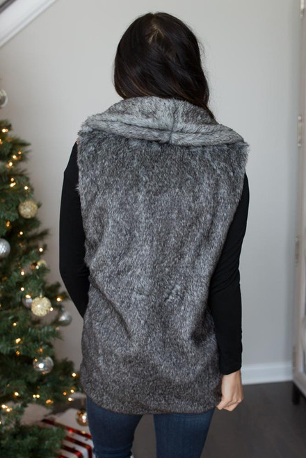Everly Two Tone Faux Fur Vest - Charcoal