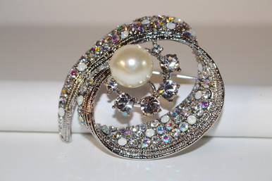 """Silver Brooch with Clear Crystals and Pearls (1 1/2"""" diameter)"""