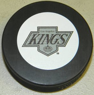 Los Angeles Kings NHL Team Logo Throwback Autograph Hockey Puck