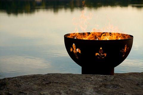 Fleur de Lis Fire Pit Picture 49