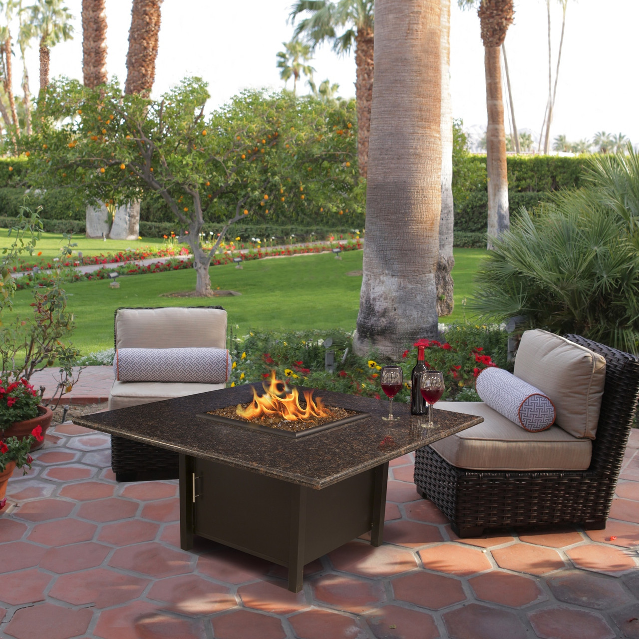 Carmel Chat Height Square Fire Pit by California Outdoor Concepts