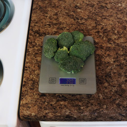 Space-Saving Digital Food Kitchen Scale