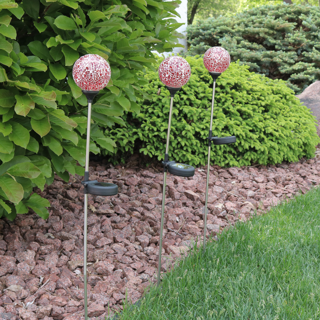 Sunnydaze Mosaic Crackle Glass Decorative Ball Solar LED Garden ...