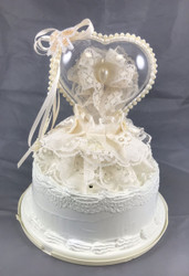 CAKE TOP LUCITE HEARTLACE