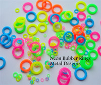 Neon Rubber Jump Rings - 10 mm