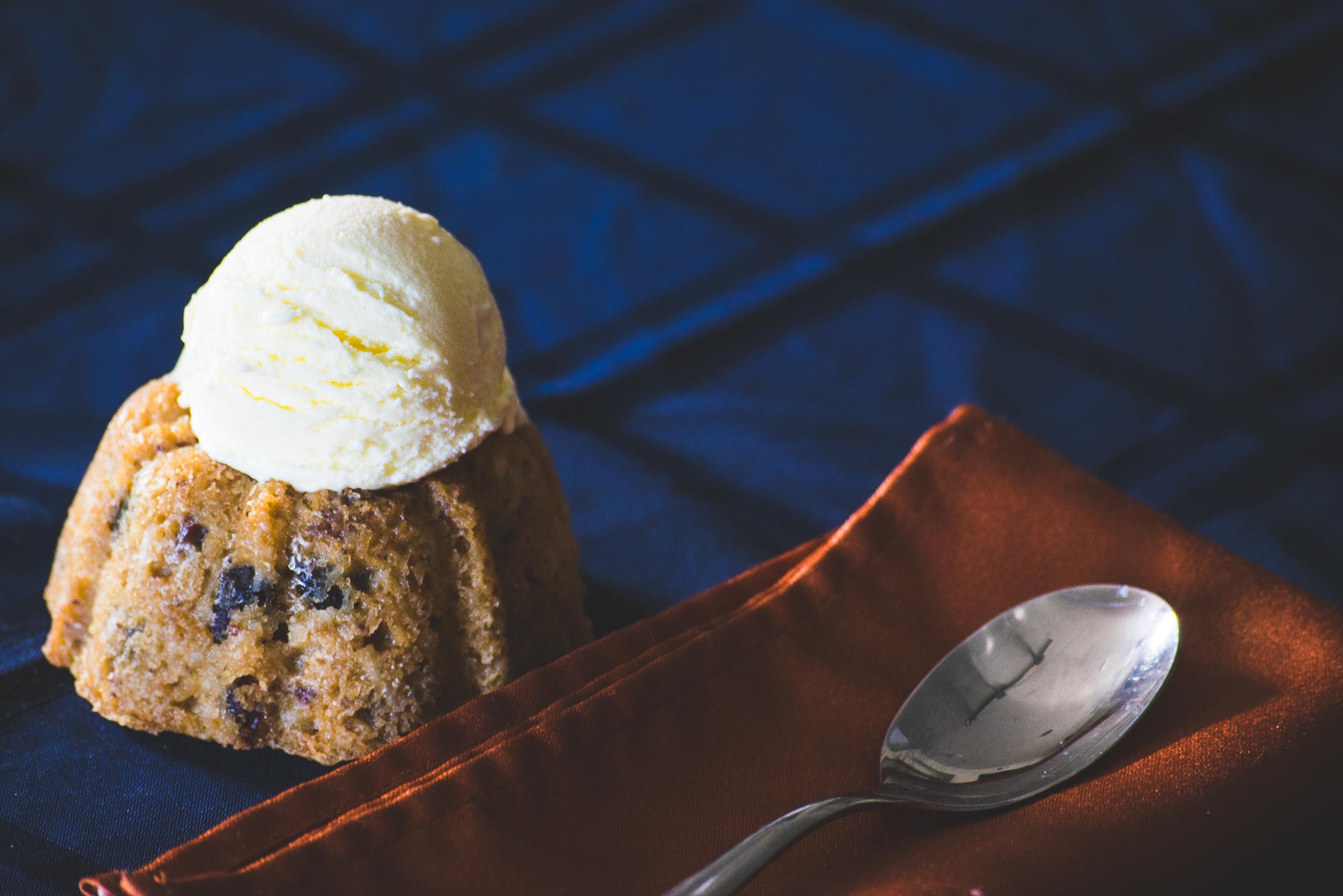 Christopher's Bakery | Dessert | Baked Good | Cake | Mini-Bundt | Vanilla Wafer