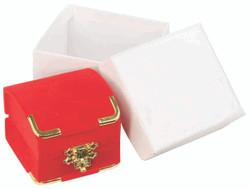 Red Pendant Flocked Velvet Clasped Box