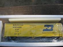 Crown (Weaver) Burlington Northern 40' Reefer, 3 rail or 2 rail