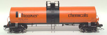 Atlas O Hooker chem (orange) 17,360 gallon  tank car, 3 or 2 rail
