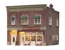Woodland Scenics O gauge Emilio's Italian Restaurant..super detailed building