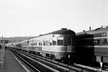 Golden Gate NYC streamlined lightweight 6 car passenger set,  2 rail