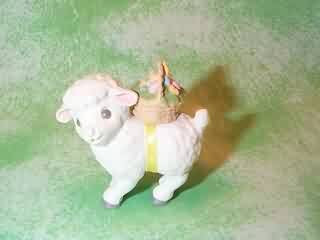 1989 White Lamb With Basket