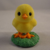 1984 Flocked Chick In Grass