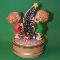 1981 Betsey Clark - Decorating Christmas Tree