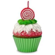 2016 Christmas Cupcakes #7 - Peppermint Swirl