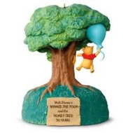 2016 Disney - Winnie the Pooh and the Honey Tree