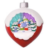 2017 A Caroling Surprise Hallmark ornament - QGO1212
