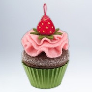 2012 Christmas Cupcake #3 - Berry-licious