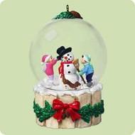 2004 Winter Wonderland #3 - Building A Snowman Hallmark ornament